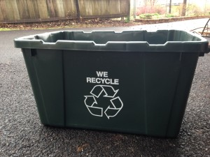 This is the type of bin that you will receive at City Hall. The cost is FREE!