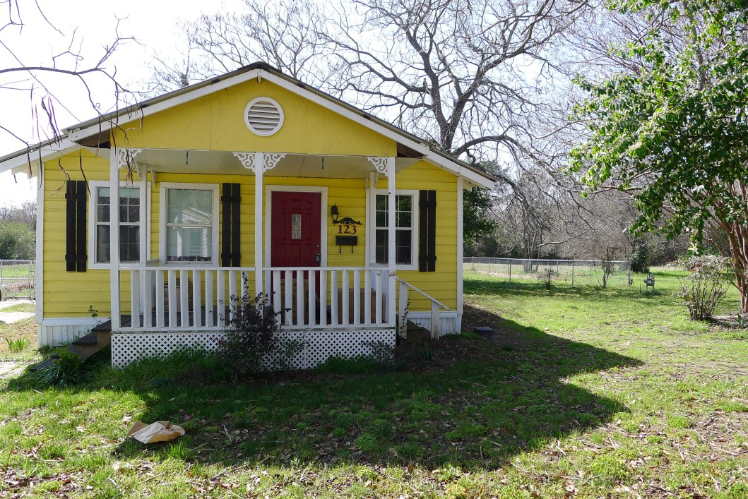 2 Bedroom 2 bath house for sale in palestine, tx