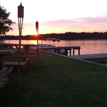 sunset over lake palestine resort