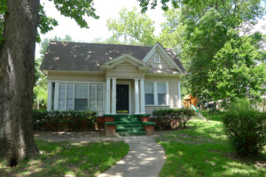 FOR RENT 3 Bedroom 2 bath House in Palestine Tx