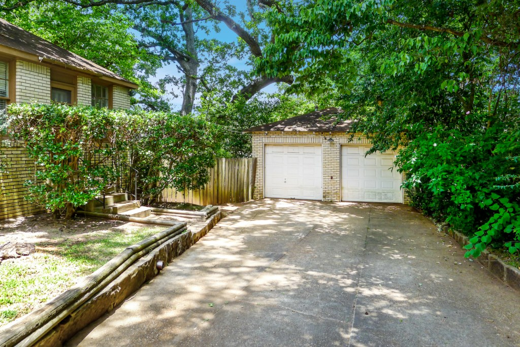 909 Highland Dr, Palestine, TX 75801-House for Sale