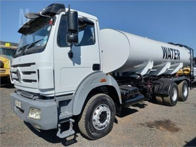 WATER BOWSER TANKER TRUCK 2013