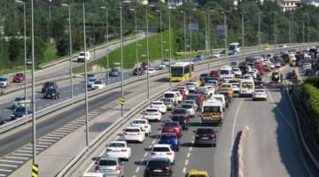 15 Temmuz Şehitler Köprüsü girişinde trafik yoğunluğu