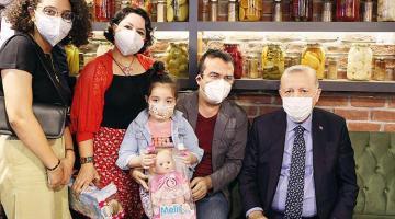 Cumhurbaşkanı Erdoğan'ın vatandaşlarla fotoğraf molası