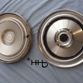 back and front view of hubcap # c14chry1975_9