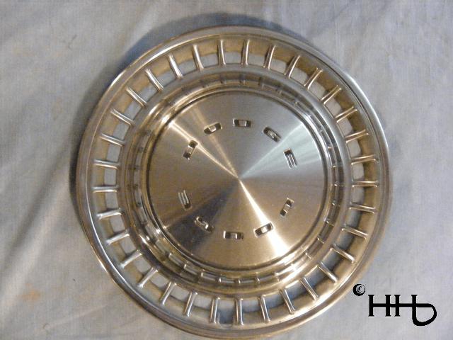 front view of hubcap # c14dodg1972_6