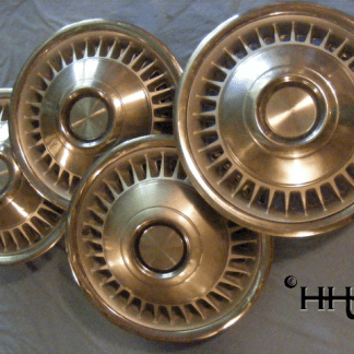 group front view of hubcap # c15chry1972_2