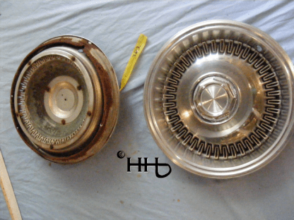 back and front view of hubcap # c15chry1974_5