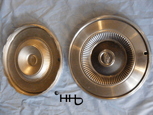 back and front view of hubcap # c14ford1975_6