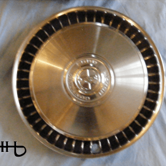 front view of hubcap # c15ford1972_5