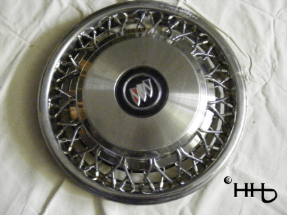 front view of hubcap # w15buic1993_1