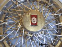 emblem view of hubcap # w15olds1982_7