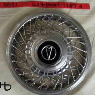 front view of hubcap # w14pont1987_3