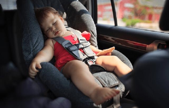 連日35度越えなのに車内へ子供置き去り!?マルハンの貼り紙と見回りは偽善。親の責任論は射幸性を高めギャンブル依存症を生んだパチンコ業界の責任のすり替え。