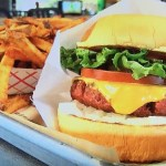 未来の肉!ビヨンド・ミート日本上陸。ビヨンド・バーガーが食べられる店は?メタンガス、コレステロールゼロの秘密は?菜食主義者のイーサンだから実現できた。