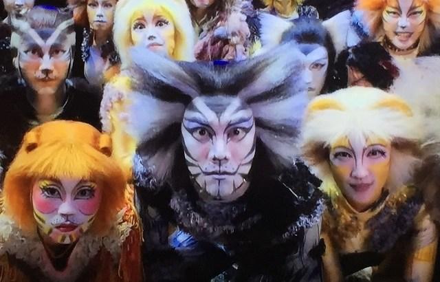 浅利慶太氏のすごい経歴。劇団四季の演出家で中曽根元総理のロン・ヤス関係の影の立役者。キャッツ、ライオンキングなど多くの名作を遺し死去されました。