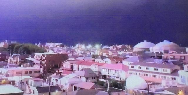 落雷2万回のゲリラ雷雨でマリカーの外国人旅行客も苦笑い!?帰宅ラッシュで無謀な行動から二次被害を起こさないためには?停電には何を備えて置ける?