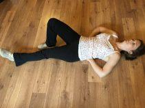 Buzymum - extend leg while holding torso