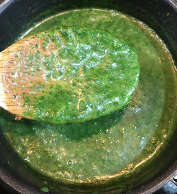 Buzymum - Chicken and spinach sauce after blending