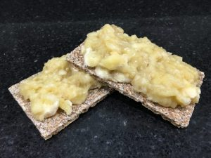 Buzymum - Mashed banana on Ryvita
