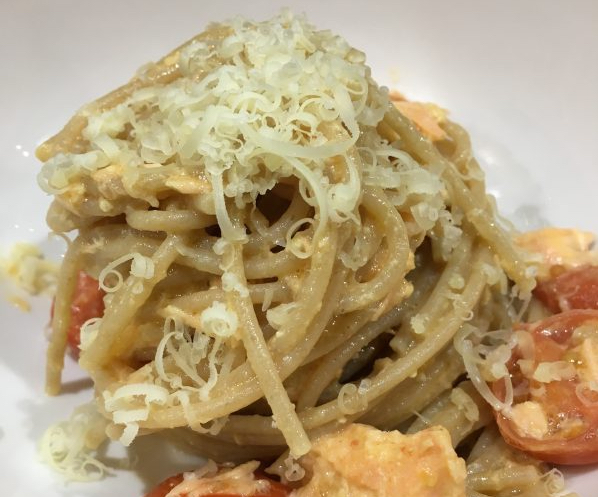 Buzymum - Creamy salmon spaghetti portion