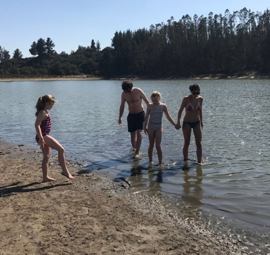 Buzymum - K, Lou, Martin and Pia paddling in the lake