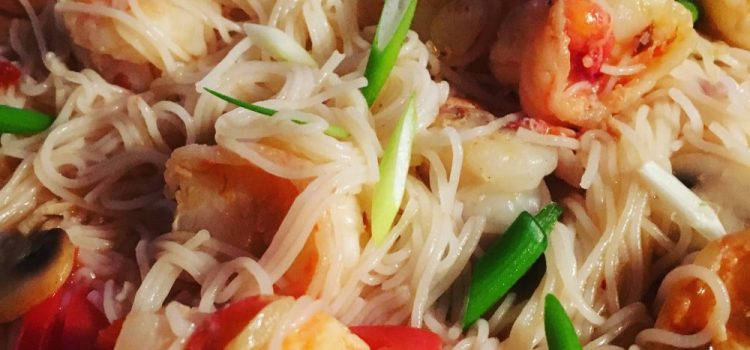 Buzymum - Garlic and chilli noodles with spring onion garnish