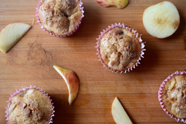 Buzymum - Easy Healthy Apple and cinnamon muffins ready to eat