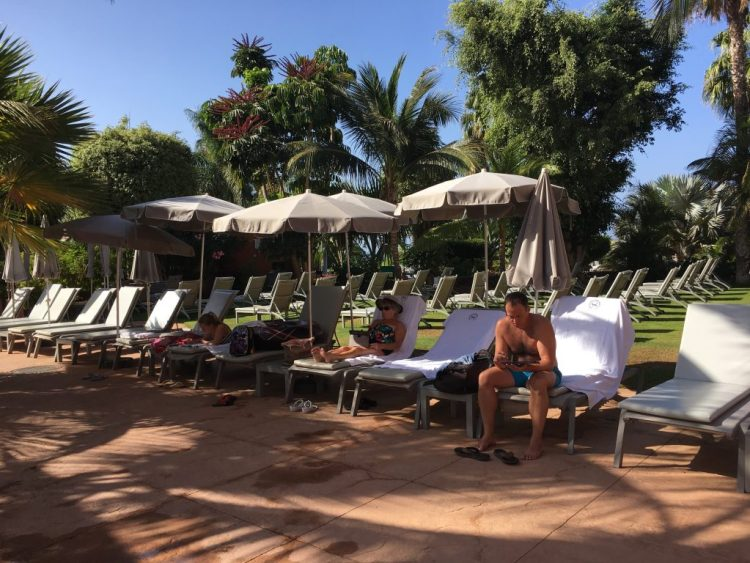 Lots of sun beds free at the Sheraton hotel Tenerife