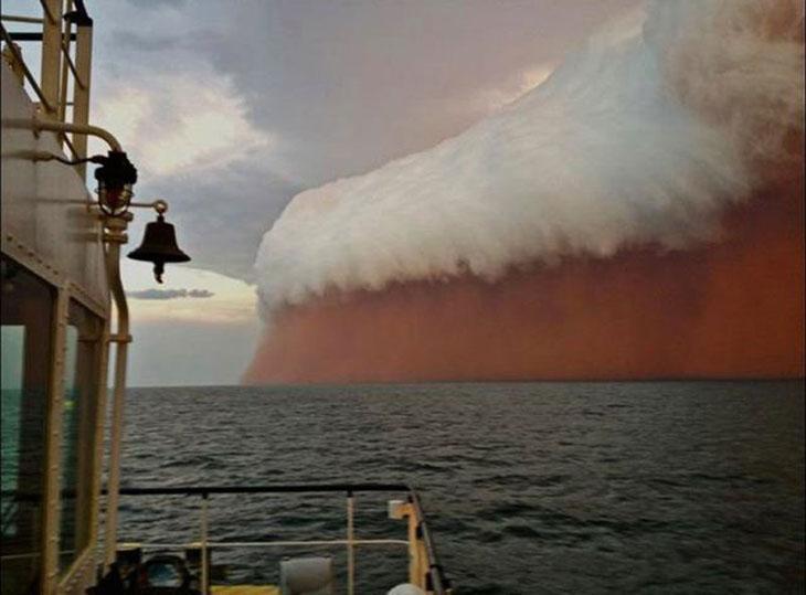 An Australian dust storm that looks like a giant mug of beer