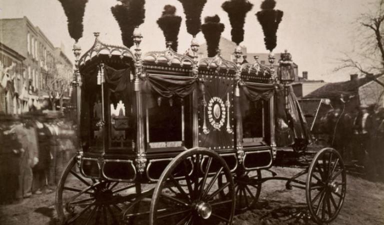 Tarihin Saklı Tuttuğu ve Nadir Denk Gelebileceğiniz 17 Nostaljik Fotoğraf