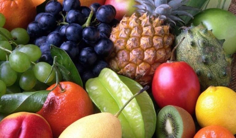 Sebze ve meyveleri bu şekilde yıkıyorsanız derhal vazgeçin