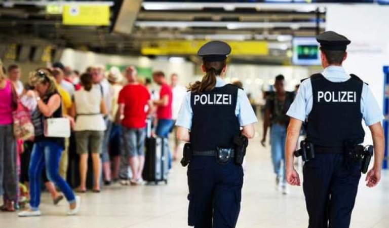 Almanya Havalimanlarına Yunan Polis Yerleştirilecek