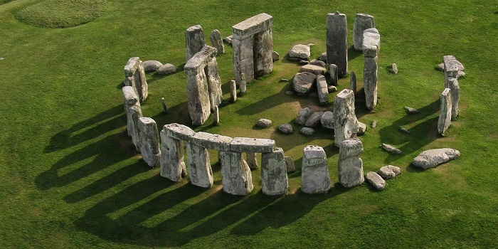 Photo Credit http://www.huffingtonpost.com/2015/03/16/new-stonehenge-theory-mecca-on-stilts_n_6877768.html?ir=India&adsSiteOverride=in