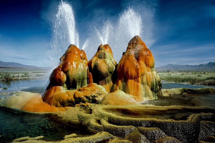 Photo Credit https://www.reddit.com/r/EarthPornHD/comments/1sipcg/fly_geyser_nevada/
