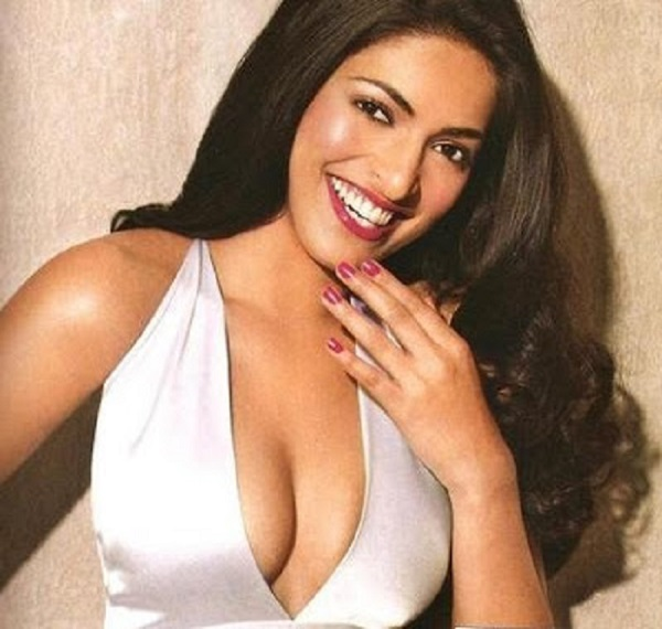 Photo Credit http://hollywood-bollywood-pictures.blogspot.in/2008/12/parvathy-omanakuttan-u-r-miss-world.html