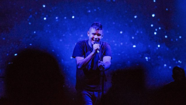 Rostam at the El Rey Theatre (Photo by Jessica Hanley)