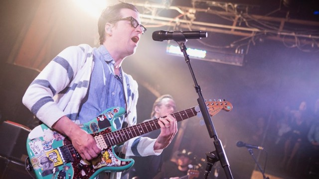 Rivers Cuomo in 2016 at the Troubadour (Photo by Carl Pocket)