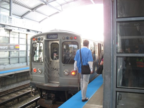 Back to the Purple Line in Howard Station.