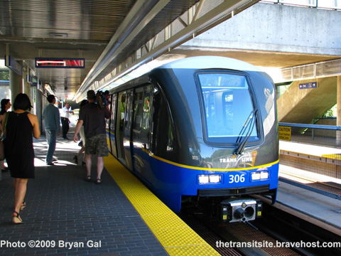 The new SkyTrain car at Edmonds Station. Photo by <a href=http://thetransitsite.bravehost.com/Photo%20Gallery/Skytrain/Bombardier%20MKII%20Trains/1300-1400%20series/MKII%201300-1400%20Trains.html>Bryan Gal</a> --- see a much larger version <a href=http://www.majhost.com/gallery/translink/Transit/TransLink/Skytrain/img_5050.jpg>here</a>.