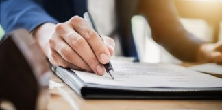 5 Things to Remember Before You Sign An Event Contract