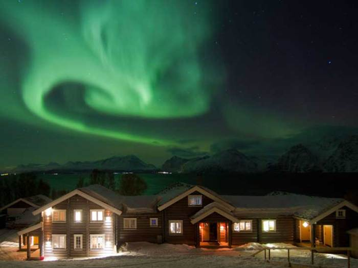 lyngen-lodge-tromso-norway-