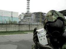 Cette année, le monde fêtait deux tristes anniversaires. En mars, c'était les 5 ans de Fukushima et en avril, les 30 ans de Tchernobyl. Malgré un taux élevé de radioactivité, certaines personnes se rendent encore sur les lieux comme ici à Tchernobyl. (Crédit : Twitter @aresjandro)