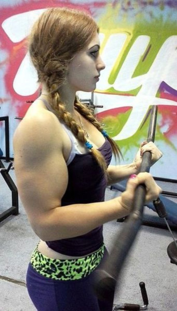 the_super_strong_girl_with_640_29_580