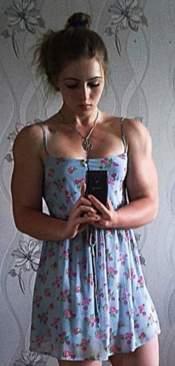 the_super_strong_girl_with_640_47_580