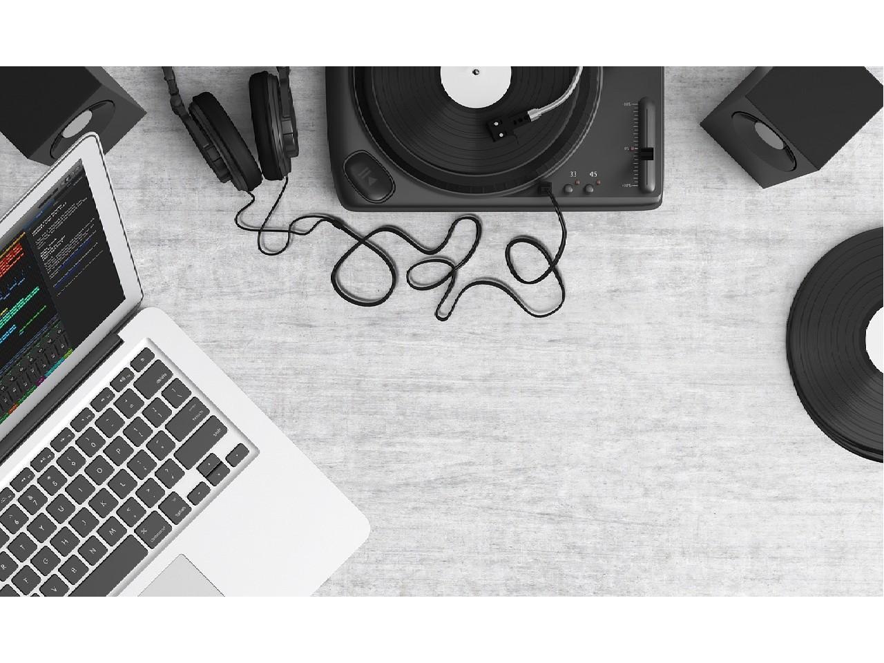 music-tech-rewinder-email-digest