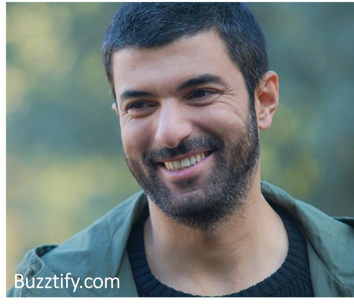 Engin Akyürek Biography, Surprising Facts, smiling, short hair smile cute