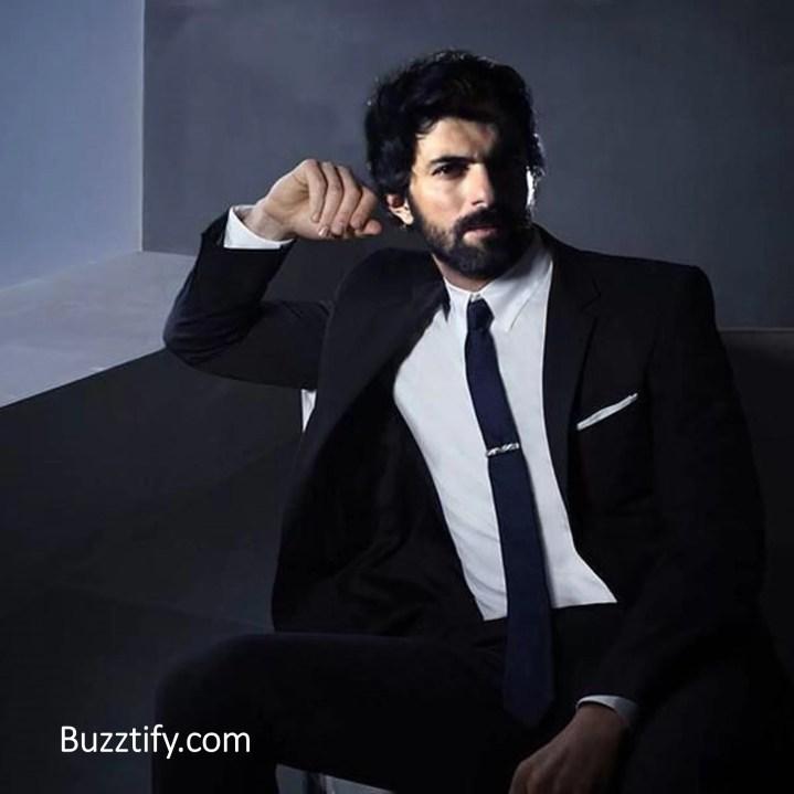Engin Akyurek in blazer beard hot look