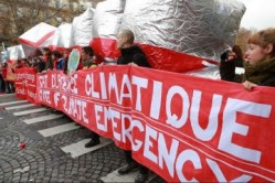 COP21-State-of-Emergency-Redline-protest-12-12-15-Source-350.org_-e1449935711469