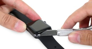 Apple-Watch-Series-2-Movement-teardown-aBlogtoWatch-1